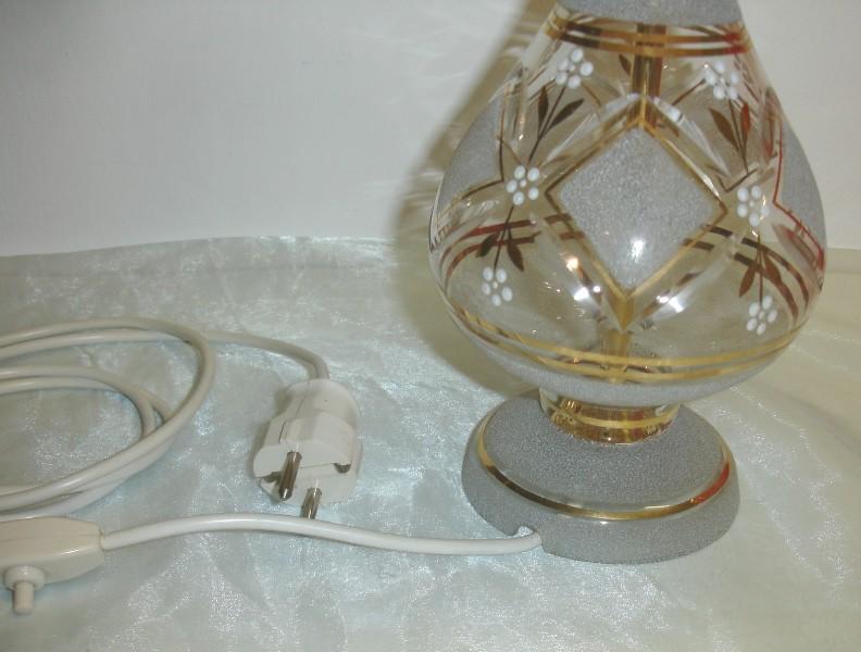 tischlampe mit geschliffenem glasfu ebay. Black Bedroom Furniture Sets. Home Design Ideas